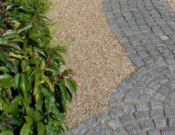 Silver Granite setts with Ballylusk Pebbles